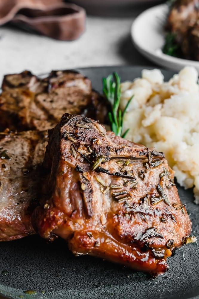 Garlic & Rosemary Grilled Lamb Chops